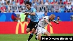 Матч Россия – Уругвай, Эдинсон Кавани и Игорь Смольников