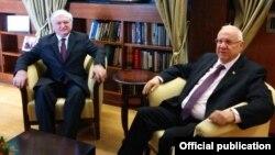 Israel - President Reuven Rivlin (R) meets with Armenian Foreign Minister Edward Nalbandian, Jerusalem, 5Mar2015.