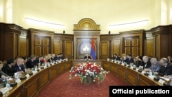 Armenia - Prime Minister Nikol Pashinian (C) meets with ambassadors of OSCE member countries, Yerevan,12Feb,2020