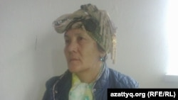 Жительница Кызылорды Умитгуль Альмагамбетова, чей дом должны снести по решению суда. 25 октября 2014 года.