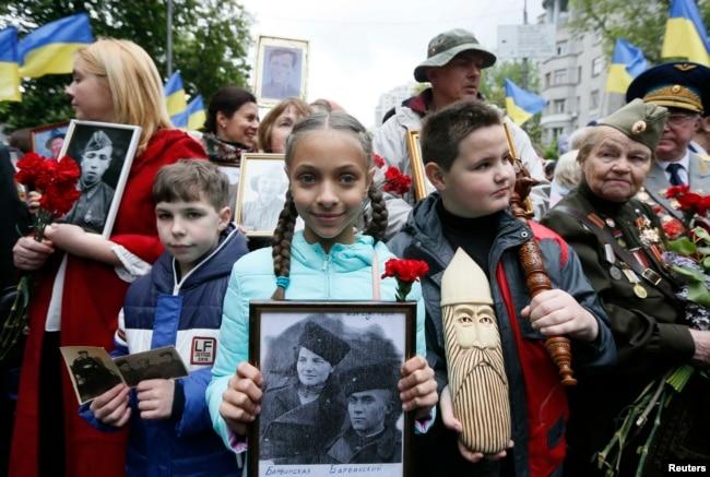 Во время акции «Бессмертный полк» в Киеве. 2017 год