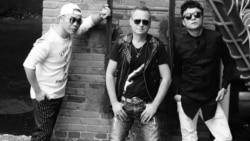 Гітарыст «Крамы» запісаў у Кітаі сынгл на песьню «Выпі са мной да дна»