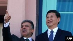 Турскиот претседател Абдула Ѓул и кинескиот потпретседател Кси Џинпинг