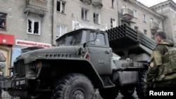 Сепаратисти в Донецьку, архівне фото