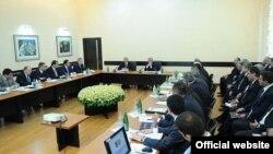 Встреча президента Сержа Саргсяна с руководящим составом Комитета госдоходов (архив)