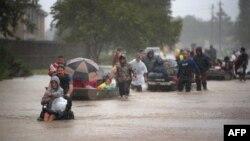 Евакуація людей із районів підтоплення, Г'юстон, США, 28 серпня 2017 року