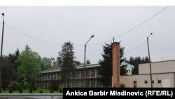 Opština Dvor u centralnoj Hrvatskoj, na slici - zgrada osnovne škole u kojoj zločin dogodio, i Hrvatska i Srbija su pokrenuli istragu za ratne zločine počinjene 1995. godine u Dvoru, 27. april 2011.