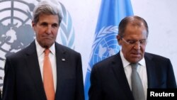 Американскиот државен секретар Џон Кери и неговиот руски колега Сергеј Лавров