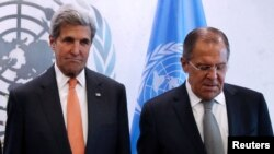 U.S. Secretary of State John Kerry (L) and Russian Foreign Minister Sergey Lavrov discussed Syria and Ukraine in a meeting in Peru.