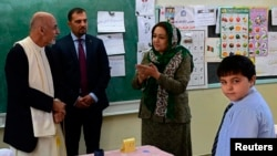 رئیس جمهور غنی هنگارم دیدار از مکتب لیسه امانی کابل