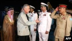 چاک هیگل، وزیر دفاع ایالات متحده، پنجشنبه شب، ۱۴ آذر وارد منامه، پایتخت بحرین، شد.