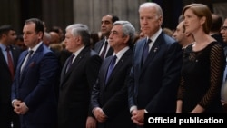 U.S. - U.S. Vice President Joseph Biden, U.S. Ambassador to UN Samantha Power, Armenian President Serzh Sarkisian and Foreign Minister Edward Nalbandian attend a ceremony at the Washington National Cathedral to mark the centennial of the Armenian genocide, 7May2015.