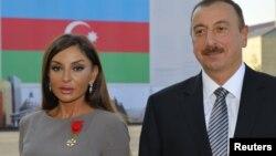 Илхам Алиев жубайы Мехрибан Алиева менен, Баку, 7-октябрь, 2011