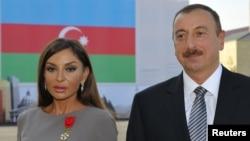 Президент Азербайджана Ильхам Алиев и его супруга Мехрибан. Баку, 7 октября 2011 года.