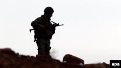 یک سرباز ترکیه در نزدیکی مرز با سوریه
