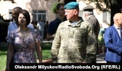 Командувач морської піхоти України генерал-лейтенант Юрій Содоль на церемонії випуску молодих лейтенантів в Одеській військовій академії. Одеса, 2 червня 2018 року