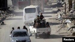 Сирийские повстанцы на севере провинции Алеппо. 5 октября 2016 года.