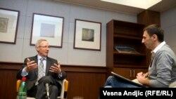 Ambasador SAD sa novinarom RSE Milošom Teodorovićem