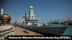 Британский эскадренный миноносец Duncan (type 45 destroyer) в одесском порту после завершения международных учений «Си Бриз-2017», 24 августа 2017 года