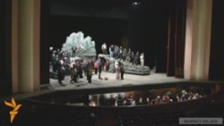 Հասմիկ Պապյան. 25 տարի՝ բեմում