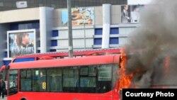 """Кытайдан алган """"Алтын аждаһа"""" автобусына ут капкан. 2009 елның җәе."""