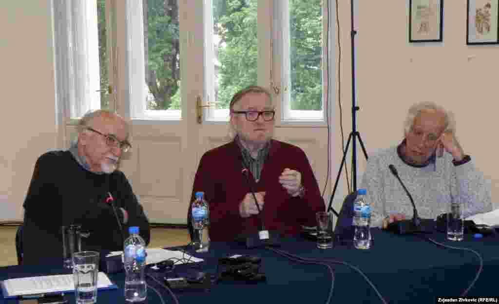 S lijeva na desno: Predrag Koraksić Corax, Borivoj Dovniković Bordo i Hasan Fazlić