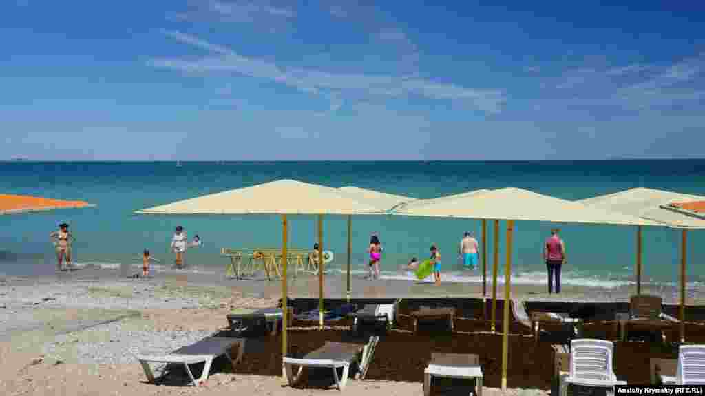 На пляже «Камешки» отдыхающих мало