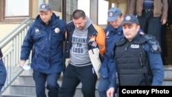 Duško Šarić tokom hapšenja u Podgorici, 16. novembar 2010