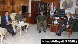 رئيس منظمة بدر هادي العامري في مكتب محافظ كركوك نجم الدين كريم