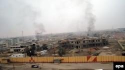 Pamje nga shkatërrimi i ndërtesave qeveritare në provincën Anbar në Irak