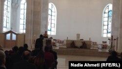 """Mesha në Katedralen """"Nënë Tereza"""" për festën e Pashkëve"""