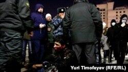 Случайно оказавшиеся на Манежной площади граждане кавказкой внешности были жестоко избиты толпой