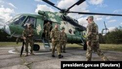 პრეზიდენტი პეტრო პოროშენკო სამხედრო პოლიგონზე. 2018 წლის 22 მაისი