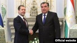 Эмомалӣ Раҳмон бо Дмитрий Медведев