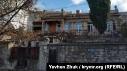 Старый дом на улице 4-й Бастионной в Севастополе
