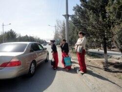 Aşgabatda hususy taksiçiler 'awlanýar'