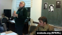 Уладзімер Арлоў (зьлева) і Зьміцер Бартосік