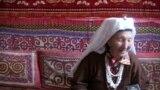 Турган Ырайым кызы: Манасты жомок дечүбүз