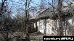 Бацькоўская хата паэта Міколы Мятліцкага у выселеным Бабчыне
