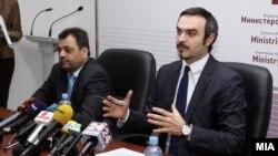 Министерот за економија Ваљон Сарачини.