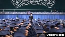 Ayatollah Khamenei met with Iranian air force officers-- 8 Feb 2019