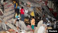 Երկրաշարժի հետևանքով փլուզված շինություն Էկվադորում
