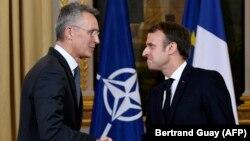 Presidenti i Francës, Emmanuel Macron dhe sekretari i Përgjithshëm i NATO-s, Jens Stoltenberg.