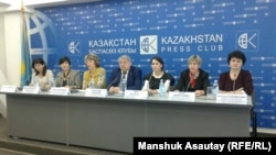 Алматыдагы басма сөз жыйындын катышуучулары. 10-ноябрь, 2016-жыл.