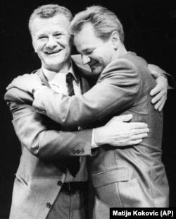 'Većinsko raspoloženje je bilo protiv kandidature Slobodana Miloševića. Iako veoma poštujem Ivana Stambolića (na fotografiji levo), on je malo manipulirao sjednicom da progura Slobodana Miloševića.'