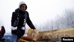Серби -- Лаьмнашкарчу Ртанж-юртара вахархо ву дуьне дохарх кIелхьара даккхар деза суьрташца Деле доьхуш, 21ГIу2012