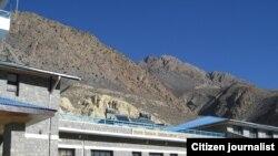 Аеропорт Джомсом, висота 2700 метрів над рівнем моря