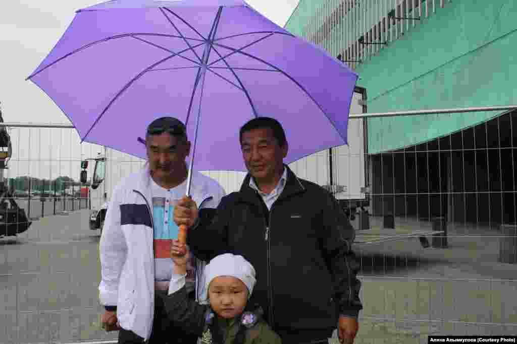 """""""Митингующие"""" из Кыргызстана"""