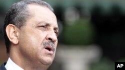 Поранешниот министер за нафта на Либија Шукри Ганем.