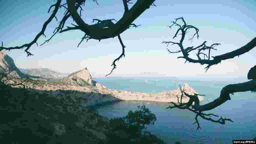 Вид на гору Дельфин с Караул-Оба